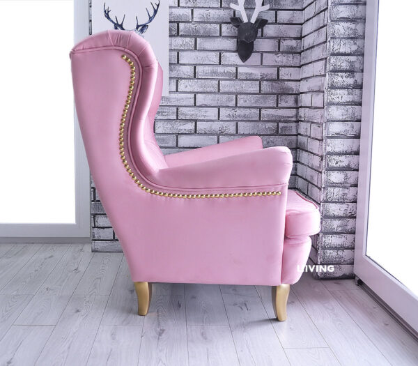 fotel w jasnym różu + złote pinezki