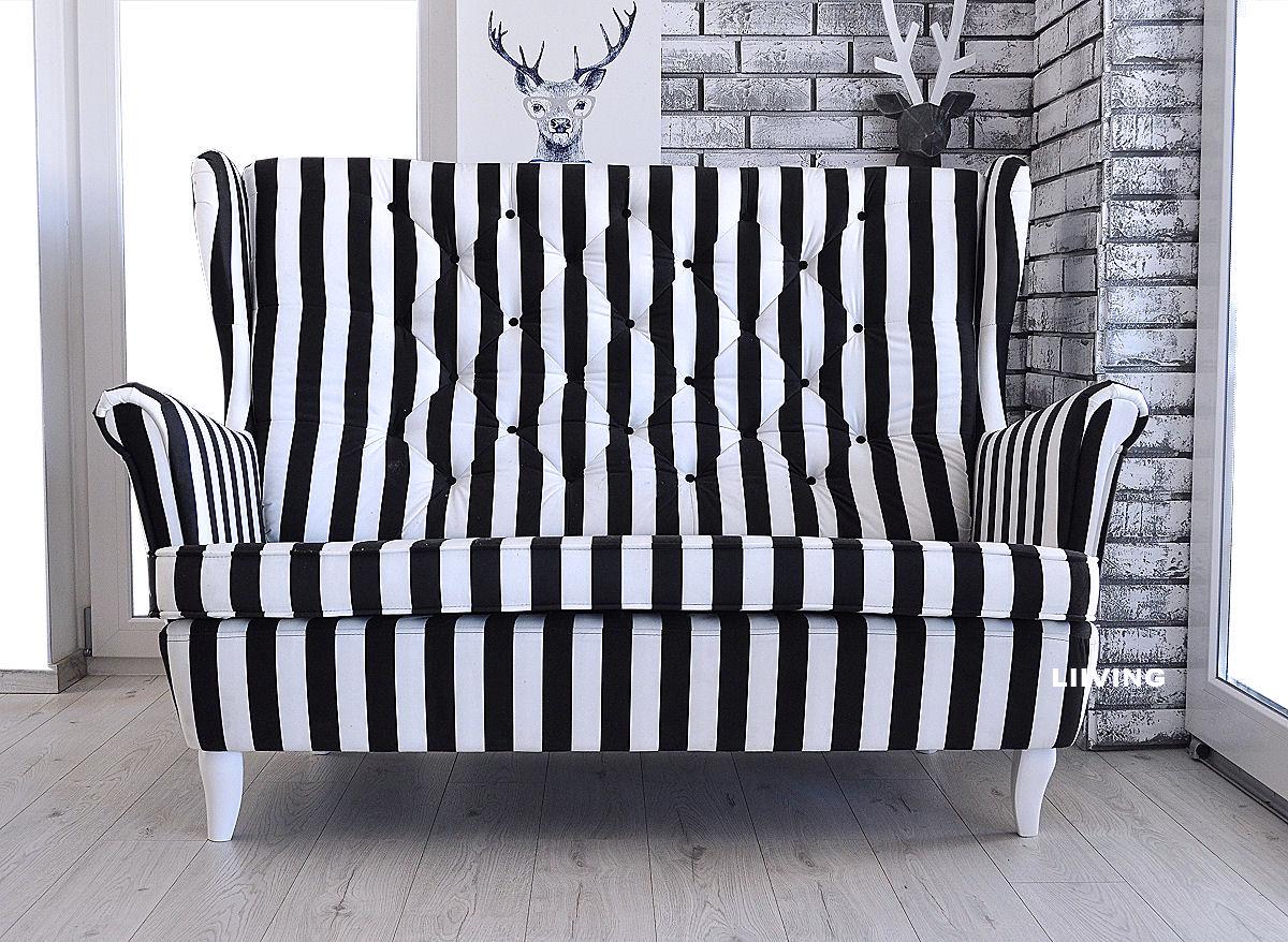 kanapa w pasy czarno białe
