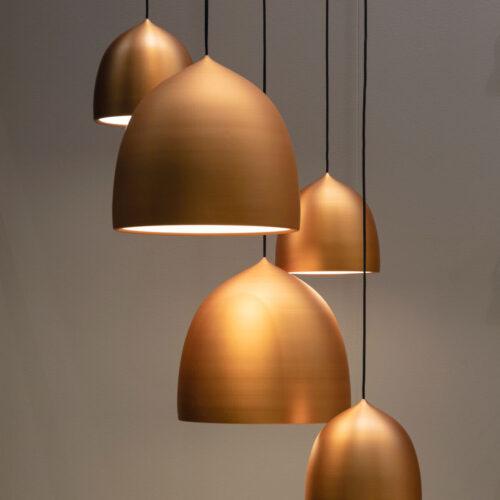 Złote lampy do salonu lub kuchni